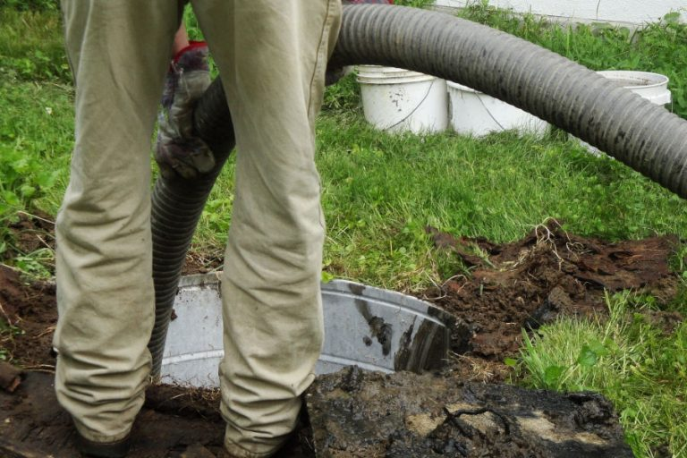 septic system pumping